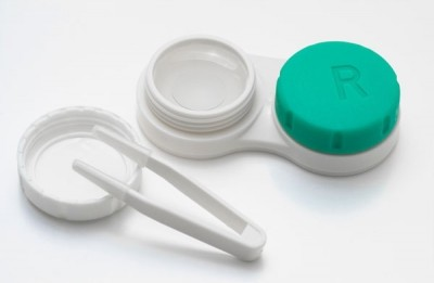 contact-lenses-wear